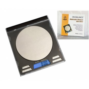 ON BALANCE SQUARE SCALE (CD 100 Gr. X 0